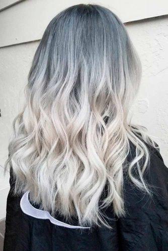 Par argintiu cu nuante albastre
