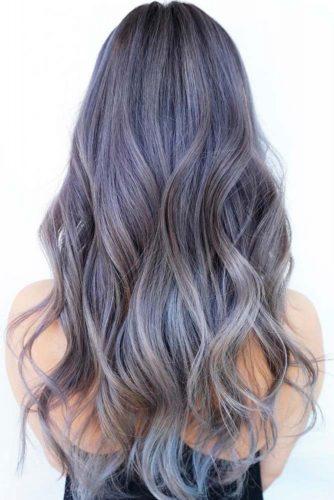 Par argintiu cu tonuri violet
